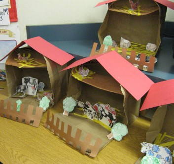 Farm dioramas created by Mrs. Klassen's Kindergarten class. Neat!